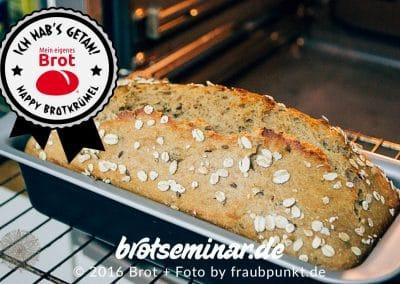 Das Ende der Start-Zeit beeindruckt bereits. Das köstliche Brot-Aroma durchströmt jetzt alle Räume …