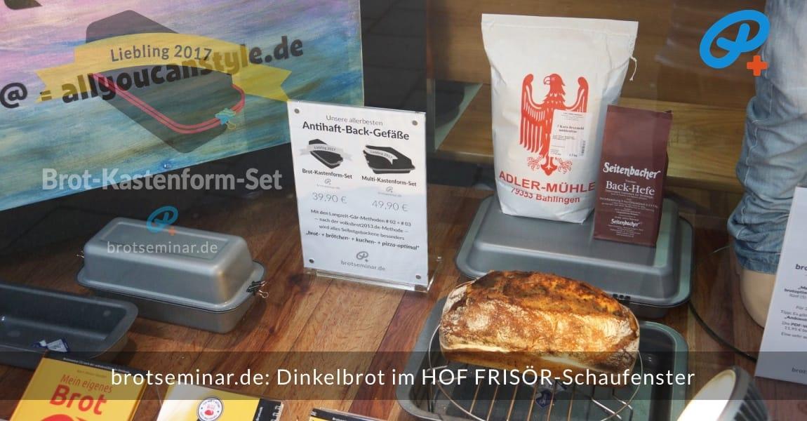 brotseminar.de: Dieses Dinkelbrot mit Sauerteig wurde im Brot-Kastenform-Set 2017 brotoptimal gebacken. Im HOF FRISÖR-Schaufenster kühlte das Brot ab, um es dann anzuschneiden + für dich zu Fotografieren.