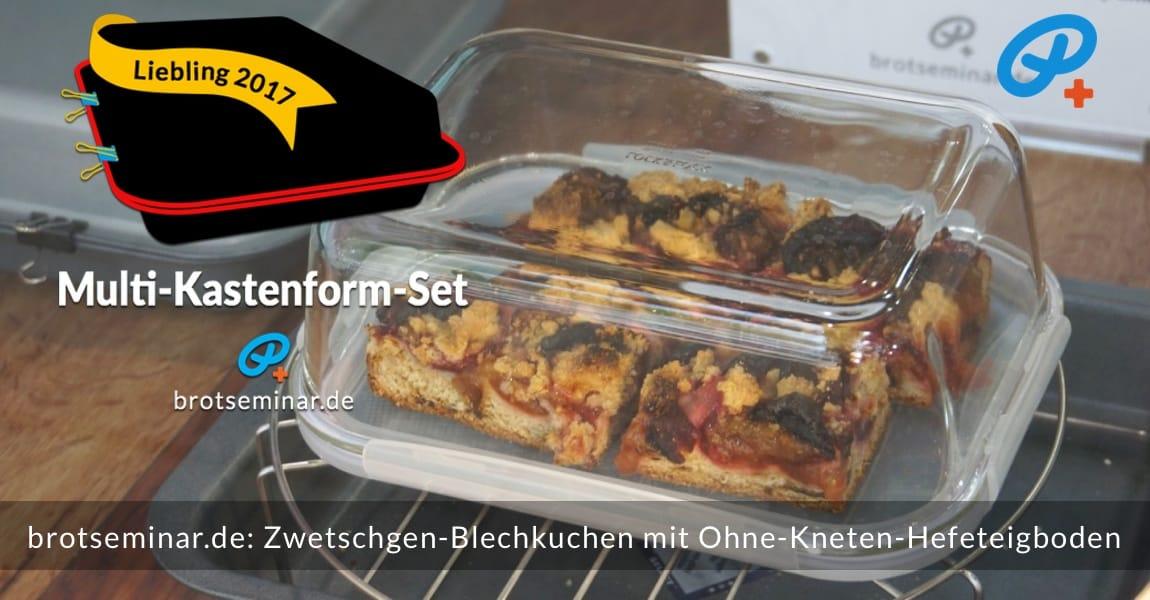 brotseminar.de: Dieser saisonale Zwetschgen-Blechkuchen mit Ohne-Kneten-Hefeteigboden wurde im vielseitigen Multi-Kastenform-Set 2017 kuchenoptimal gebacken. Im HOF FRISÖR-Schaufenster für kurze Zeit gezeigt + danach im Kühlschrank für den nächsten Tag aufbewahrt.