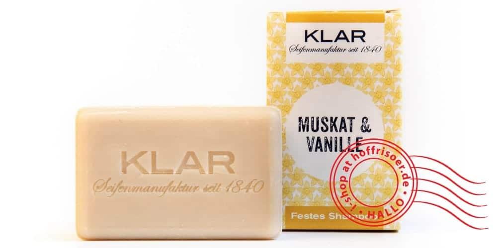 """© Mai 2019 by allyoucanstyle.de, Foto von KLAR Seifenmanufaktur Heidelberg: Festes Shampoo """"Muskat-Vanille"""" mit Verpackung aus Pappe"""