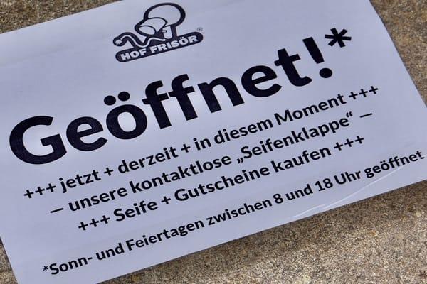 HOF FRISÖR: Die kontaktlose Seifenklappe ist für eine erfolgreiche CORONA-Bekämpfung geöffnet…